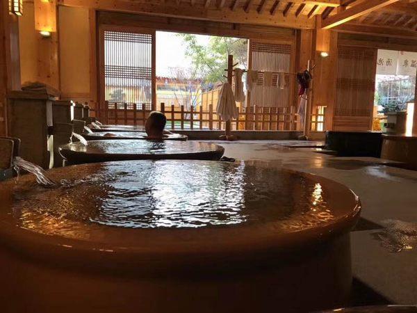 泡澡洗浴缸